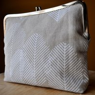 Linenfeatherclutch_039_listing