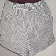 Seersucker_shorts_front_listing