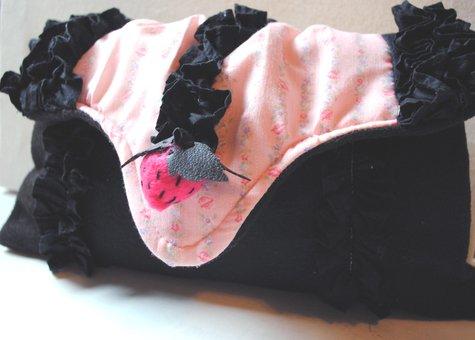 Pink_strawberry_purse_large