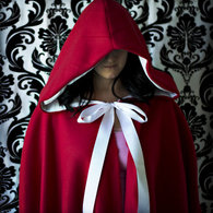 Red_riding_hood_cape_listing
