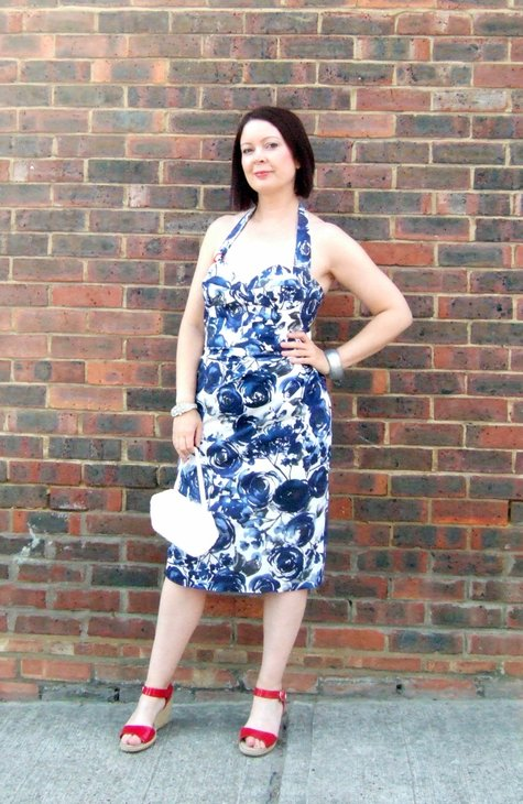 Bombshell_dress_by_wall_large