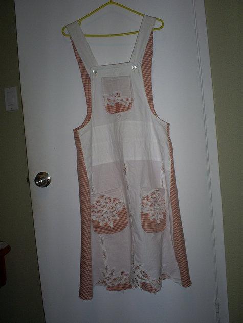 Curtain_apron_1_large