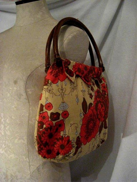 Redfloral_chandelierprint_brhandle_side_large