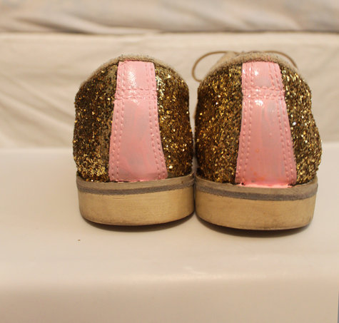 Cups_glitter_shoes_016_large