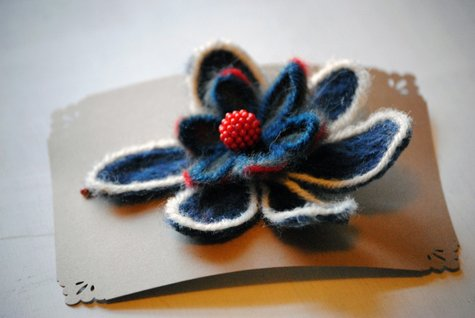 Blue-and-red-flower-2_large