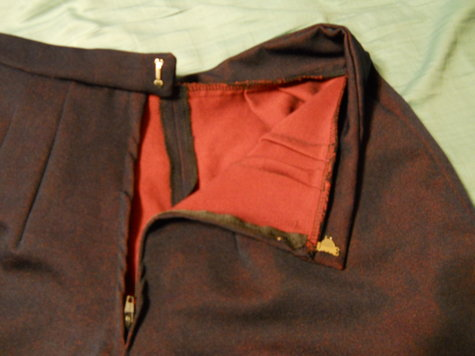 Draping_shorts_back_large