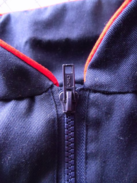 Blue_zipper_large