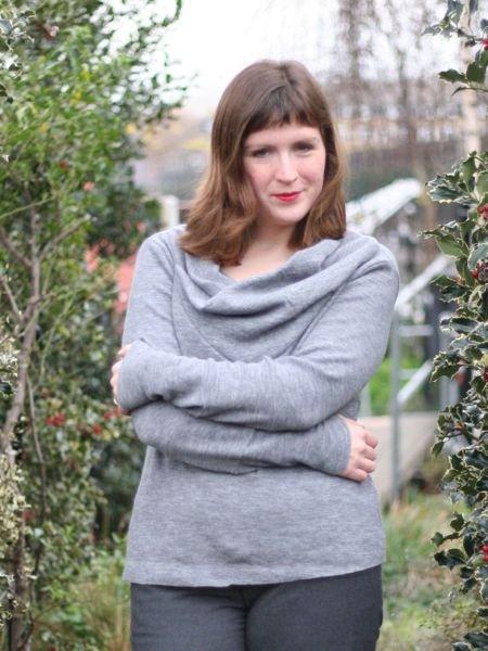 Manequim_sweater_-_arms_crossed_large