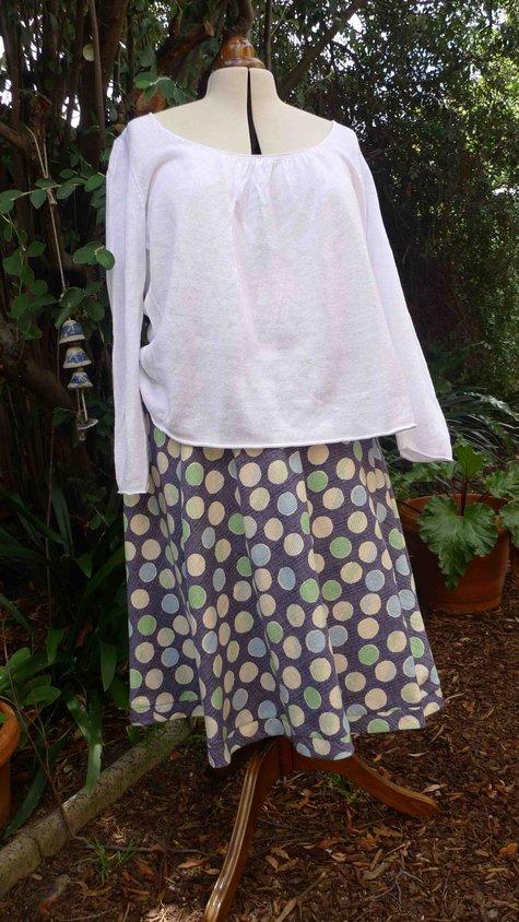 Spotty_onion_3021_skirt_large