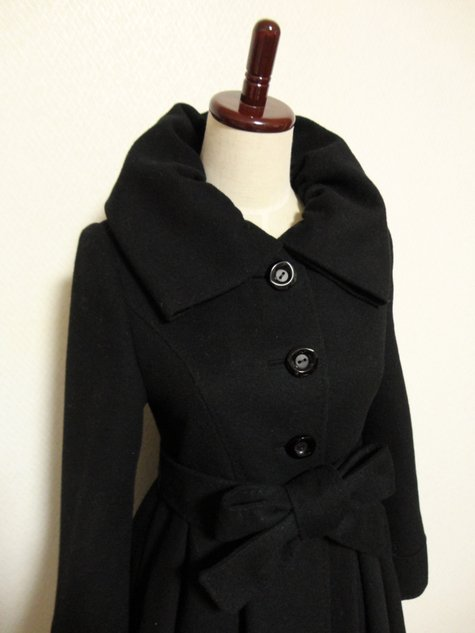56_cashmere_coat_with_gathered_collar_02_large