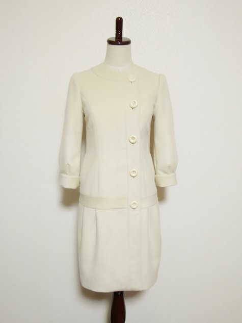 57_prada_retro_dress_01_large