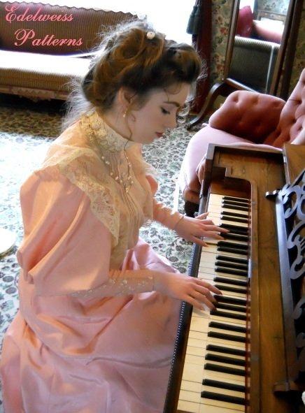 Piano-2012_large