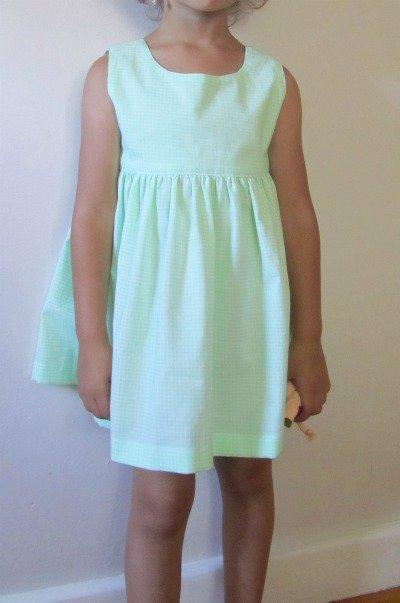 Green_dress_model_large