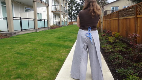 Wrap_pants_back_large