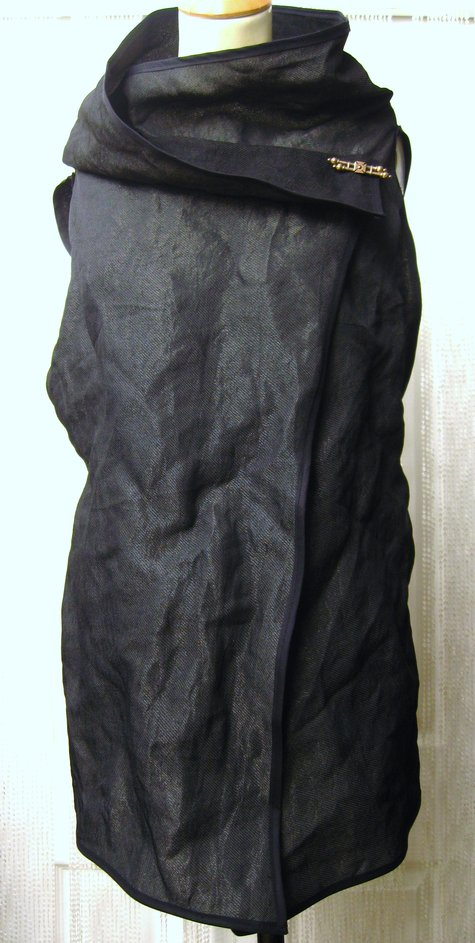 Cotton_and_metal_blend_waistcoat_by_urbandon_womenswear_2__large