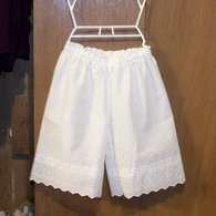 Eyelet_bloomers_001_listing