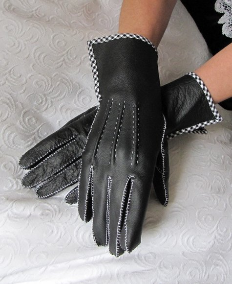 Gloves_10_large