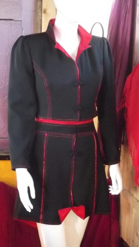 Shorty_jacket_and_skirt_2_007_large