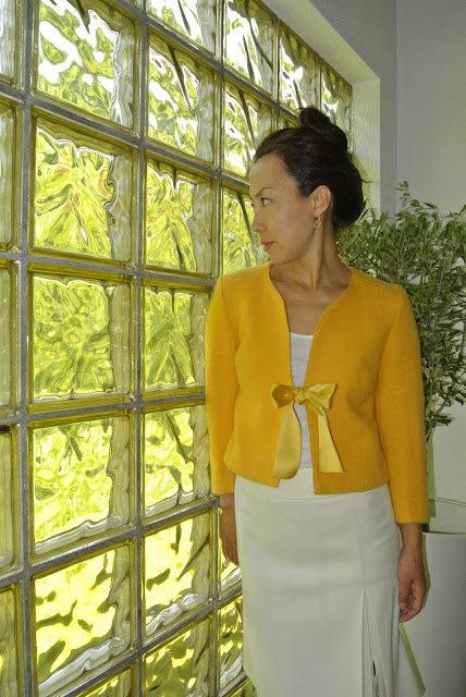 Yellow_jacket1_large