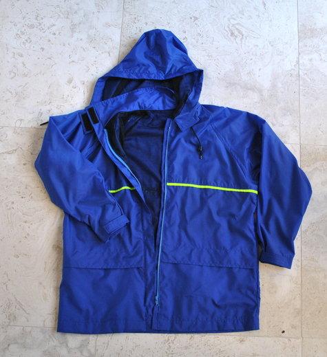 Raincoat3_large