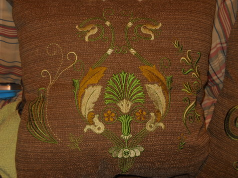 Floral_embroidered_pillow_large