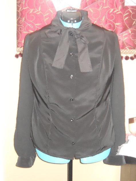 Black_tie_blouse_large