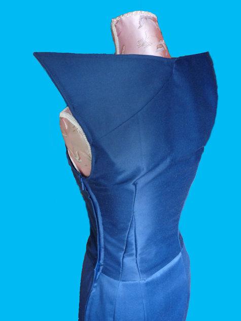 Winged_sleeveless_dress_back_large