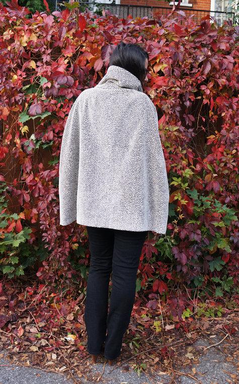Vogue_8776_cape_5_large