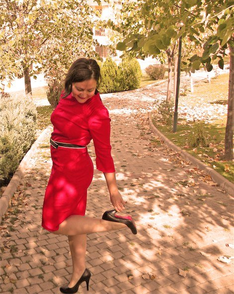 Red_dress_2_large