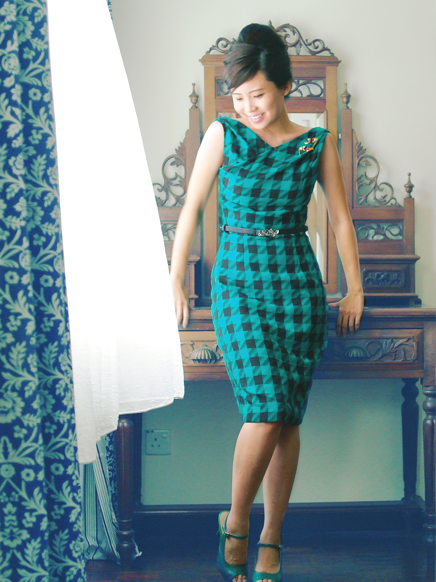 Mad Men-ners Wiggle Dress – Sewing Projects | BurdaStyle.com
