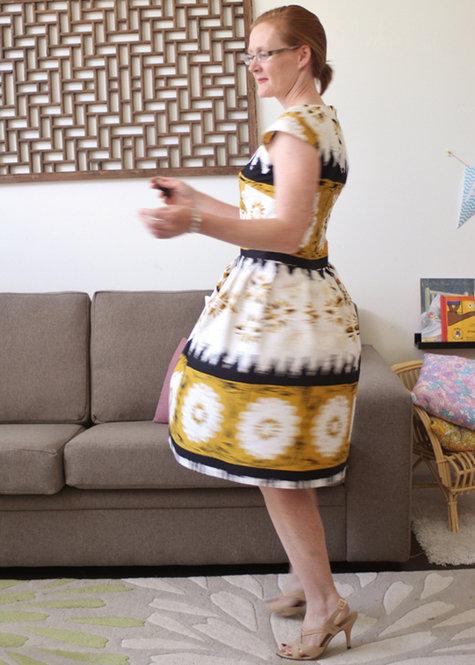 Burda_9_2012_dress_spinning_large
