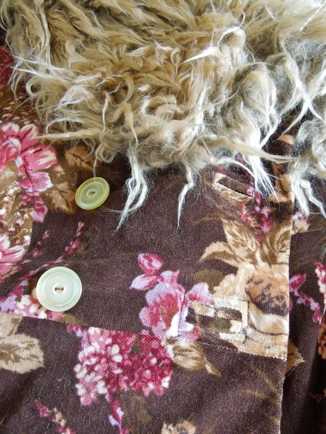 Coat-button-holes-and-buttons_large