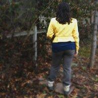 Yellow_jacket_back_blur_listing