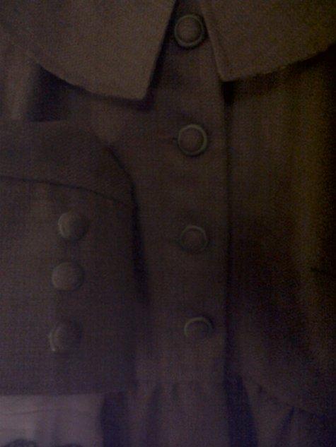 Coat_button_detail_large