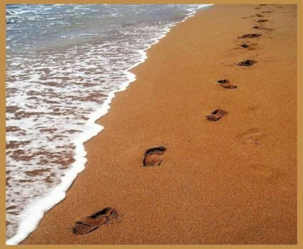 Footprints-in-the-sand-31003_large