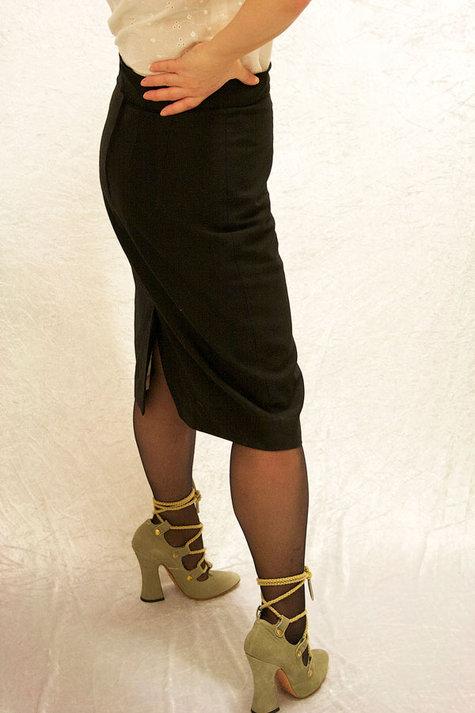 Black_pencil_skirt_4_sm_large