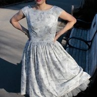 Dress_and_bench_listing
