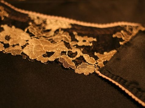 Black_lingerie_-_detail_large