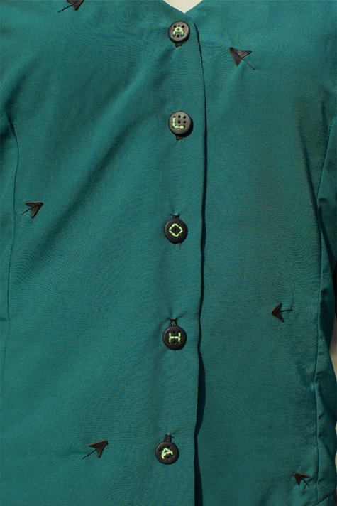 Green_blouse_detail_large