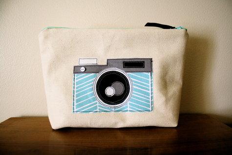 Camera applique makeup bag u2013 sewing projects burdastyle.com