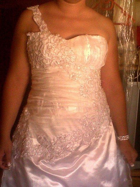 Wedding_dress2_large