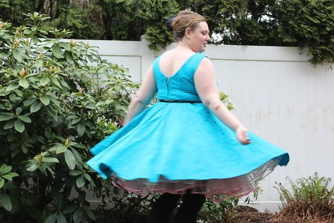 60_s_dress_twirling_large