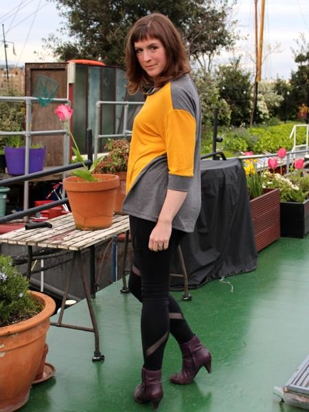 Mustard_ivy_tee_-_full_length_turning_large