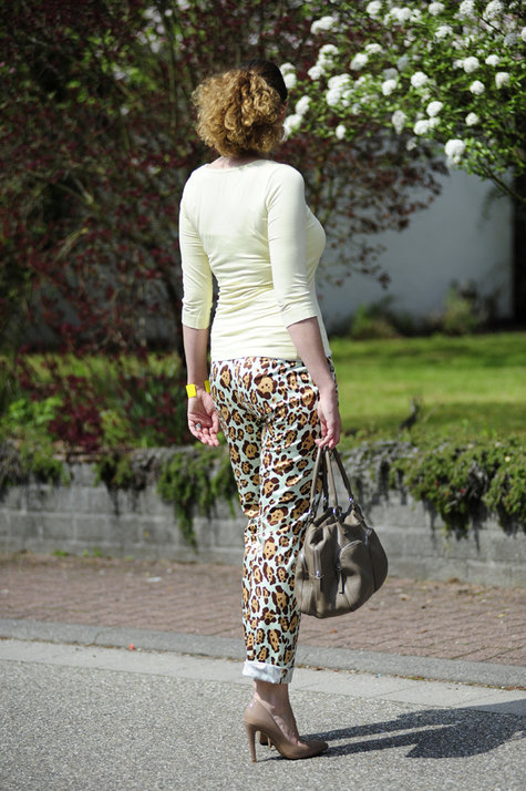 Blumarine-leo-pants5_large