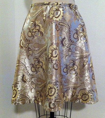 Gold_brocade_skirt_large