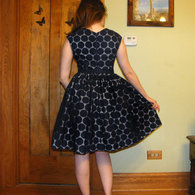 Navy-eyelet-cambie-back_listing