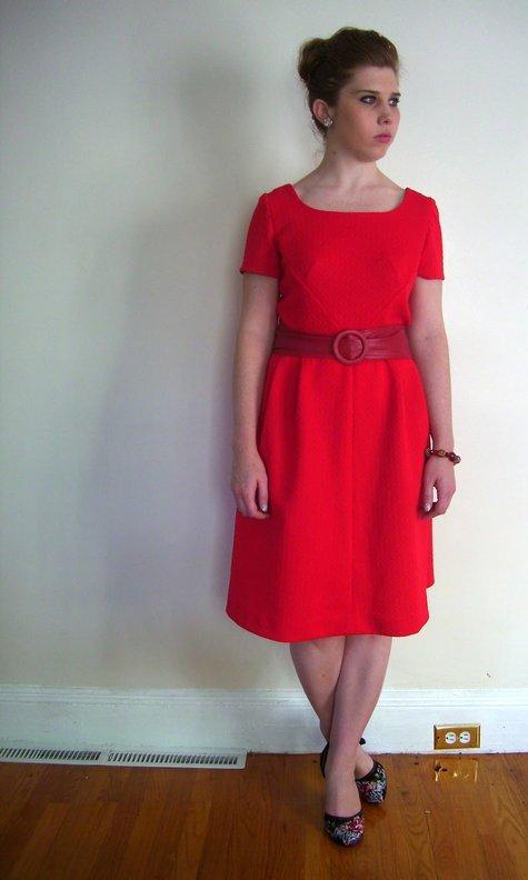 Belle_clara_l_red_60s_dress_c_contrast_large