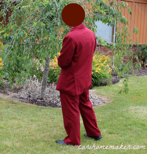 Red_suit_back-ish_large