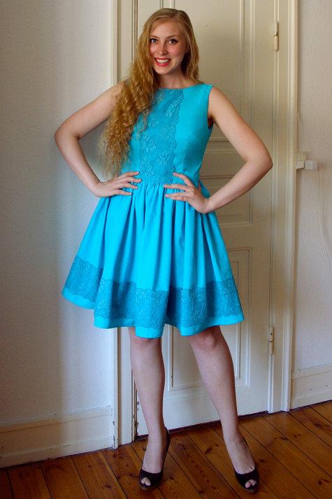 11__elsine_tyrkis_kjole1_large