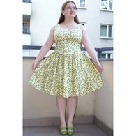 Elfka_kremowa_sukienka_w_delikatne_listki_burda_listing
